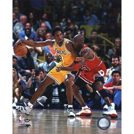 Michael Jordan & Kobe Bryant 1998 Action Photo Print (11 x