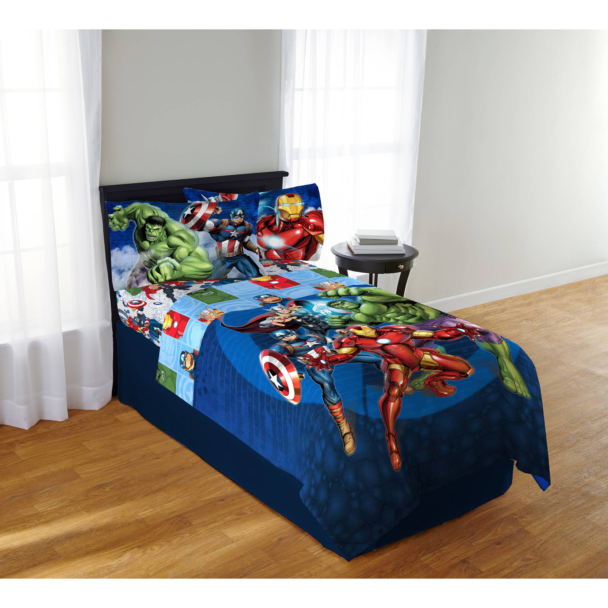 Avengers Blue Circle Twin/Full Bedding Comforter
