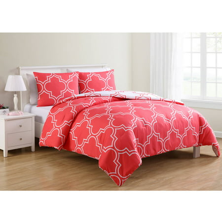 VCNY Home Coral Gia Quatrefoil Printed 2/3 Piece Reversible Bedding Comforter Set, Shams Included ()
