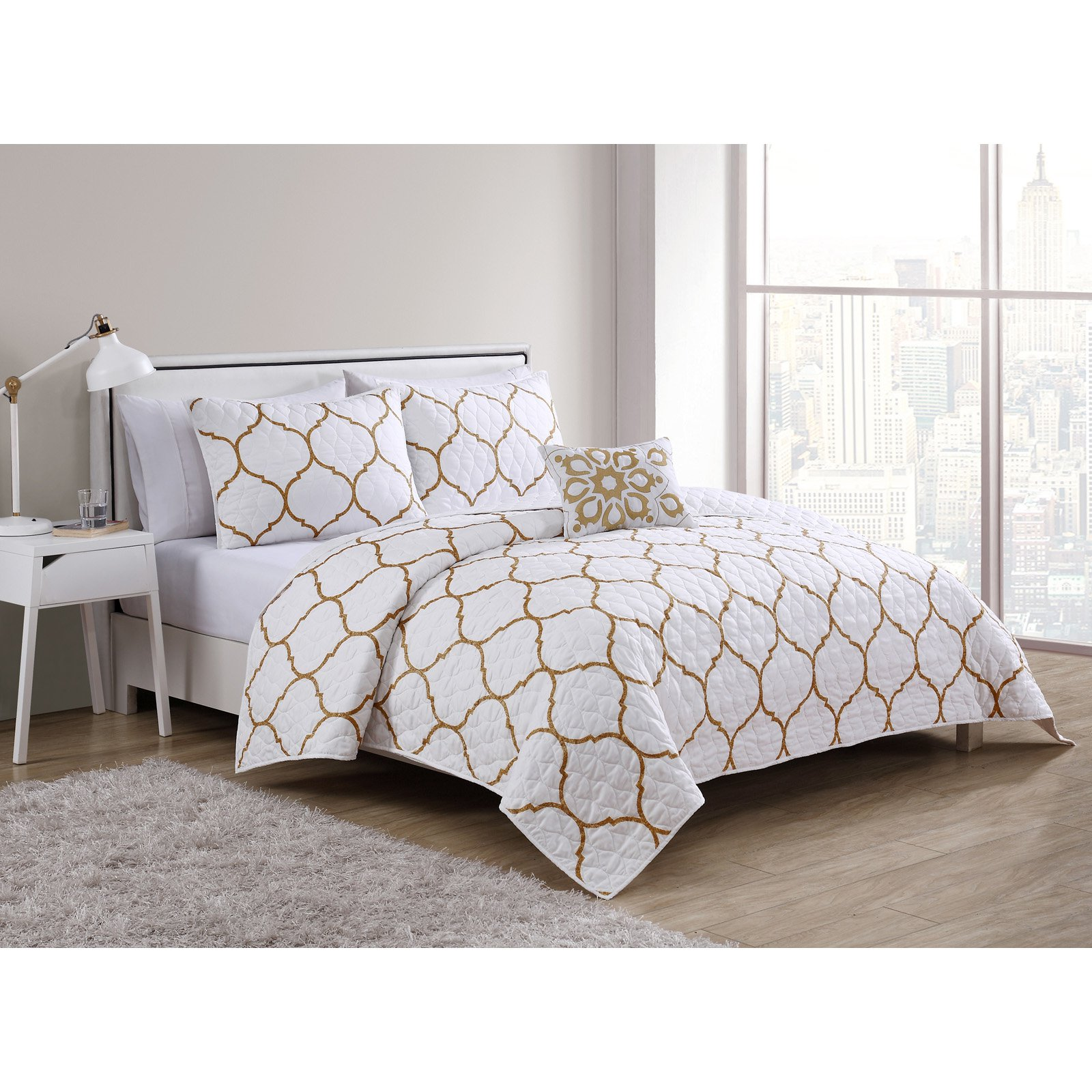 VCNY Home Ogee 3/4 Piece Quilt Bedding Set, Shams Included