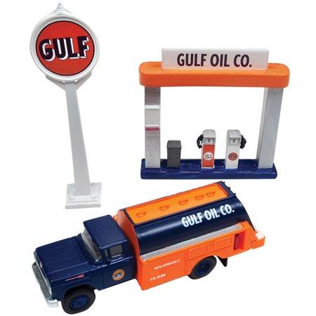 1960 Ford Gulf Oil Tank Truck, Sign, & Gas Pump Island - 1:87 Scale Die Cast