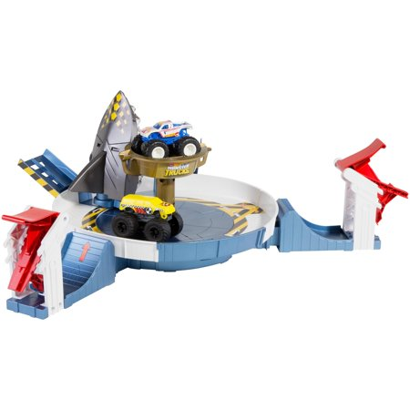 Hot Wheels Monster Trucks Mecha Shark Face-off Playset