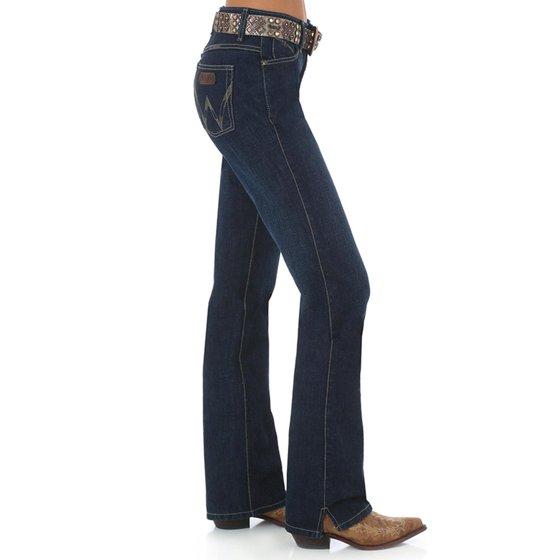 12cd3b5f Wrangler - Wrangler Women's Cash Ultimate Riding Jeans Boot Cut ...