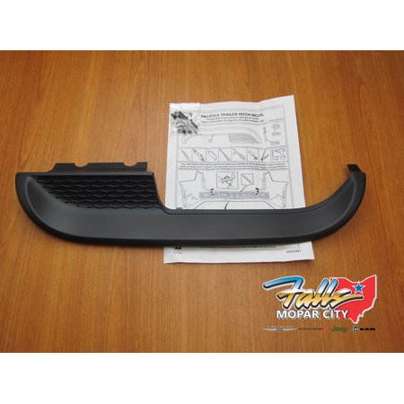 2017 - 2019 Chrysler Pacifica Rear Tow Hitch Bumper Fascia Trim Bezel Mopar OEM ()