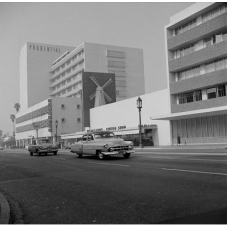 USA California Los Angeles Wilshire Boulevard  Miracle Mile famed shopping district Poster Print (Miracle Shopping)