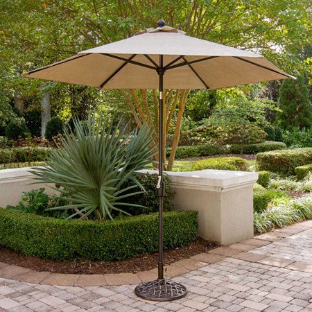 Hanover Traditions 9 Tiltable Umbrella
