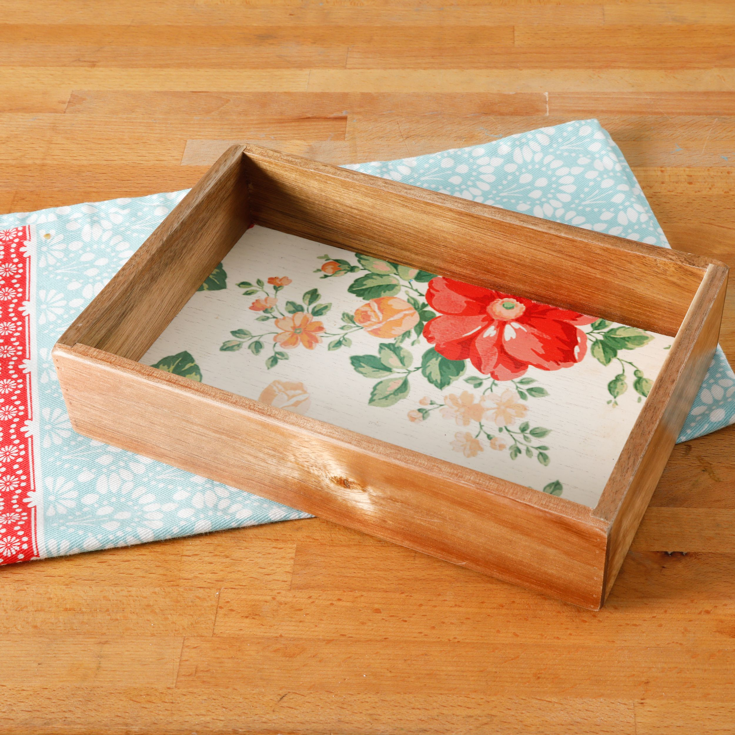 The Pioneer Woman Vintage Floral 6-Inch X 9-Inch Gadget Organizer