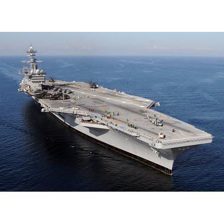 Canvas Print The Nimitz-class aircraft carrier USS Carl Vinson (CVN 70) awaits the return of Carrier Air Wing (CA Stretched Canvas 10 x (Ca Return Status)