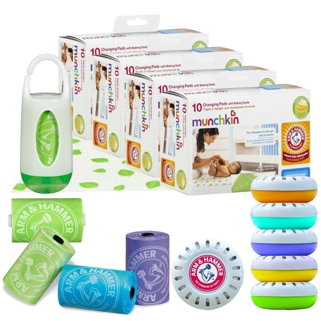 Munchkin Arm & Hammer Disposable Changing Pad 40-Pack with Diaper Bag Dispenser