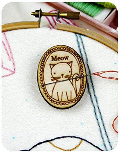 Character Themed Needle MindersMagnets