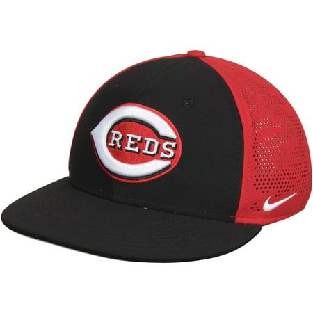 Cincinnati Reds Nike True Vapor Swoosh Performance Flex Hat -