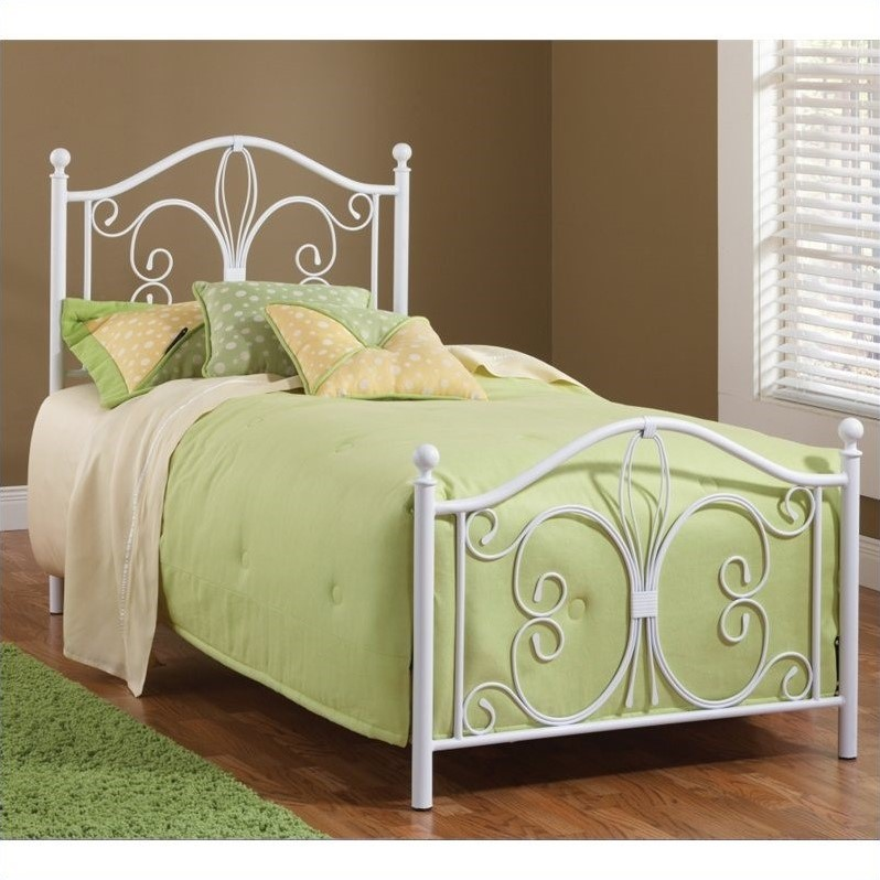 Bowery Hill Full Bed in Textured White - image 1 de 1