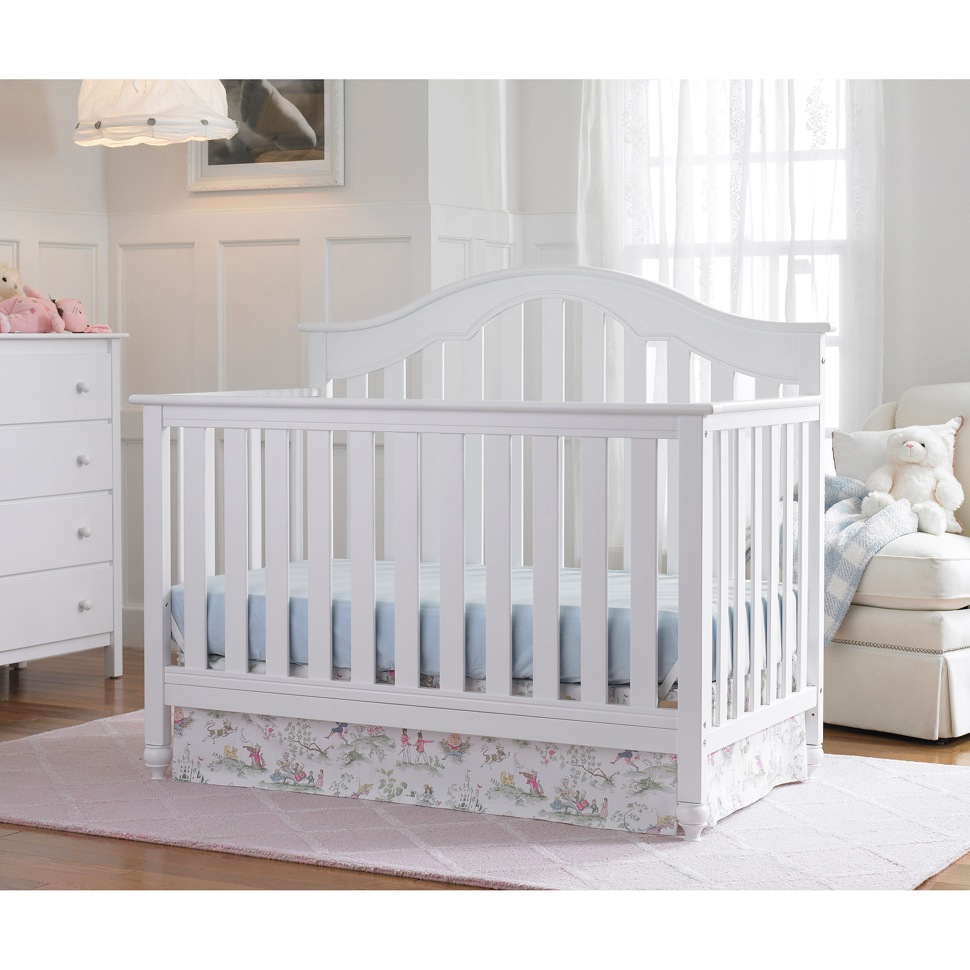 Fisher-Price Kingsport 4-in-1 Convertible Crib Collection, Snow White