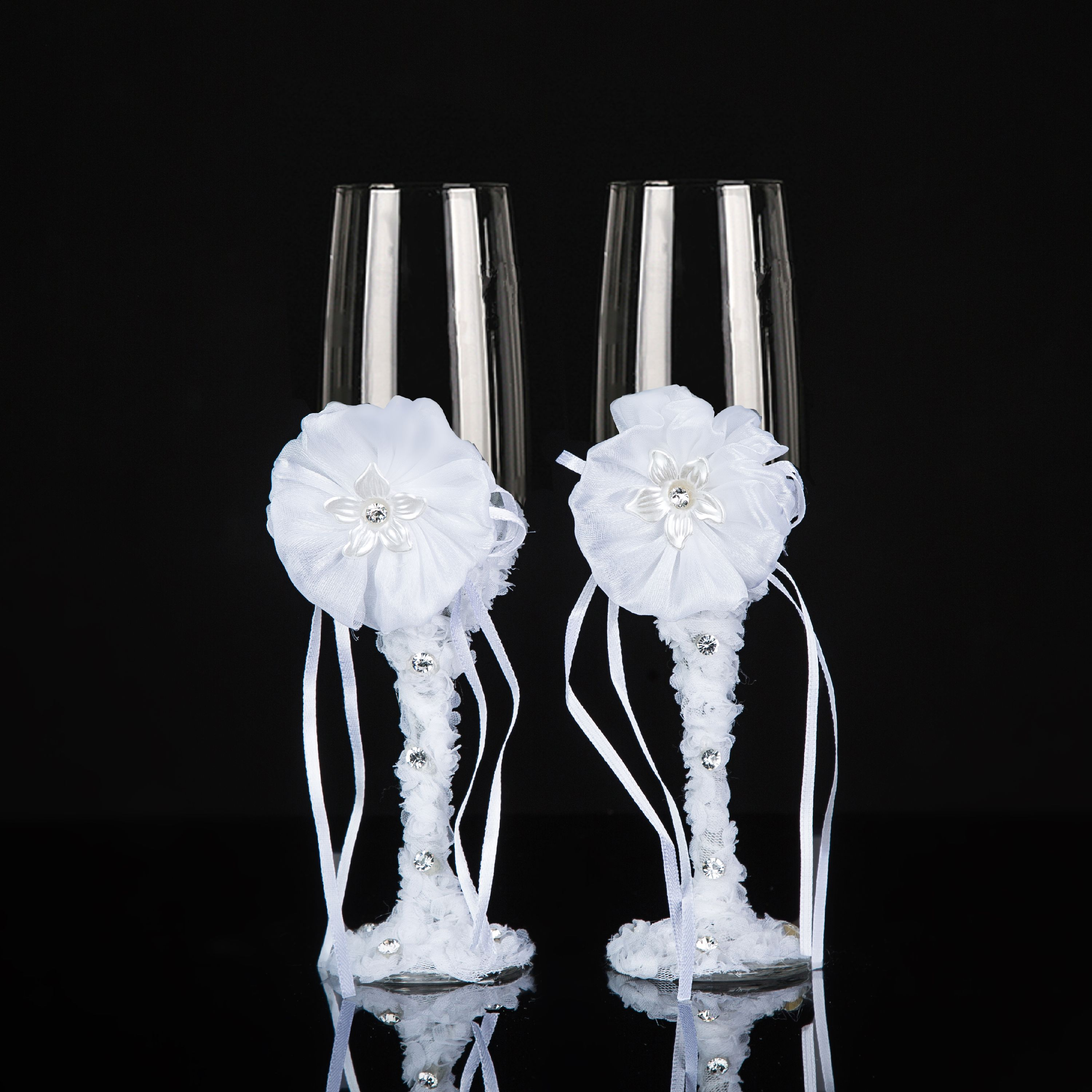 20 STUNNING SILVER CHAMPAGNE GLASSES DIE CUTS  WITH A BOW