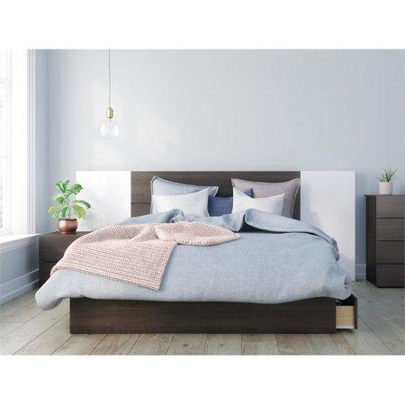 Alaska 4 Piece Queen Size Bedroom Set Ebony & White ()