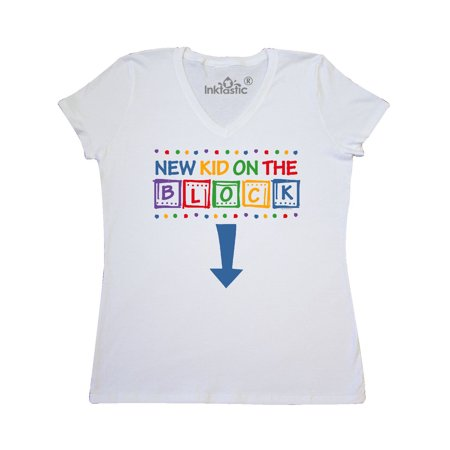 New Kid on the Block Mom Women's V-Neck T-Shirt (New Kids On The Block Jersey)