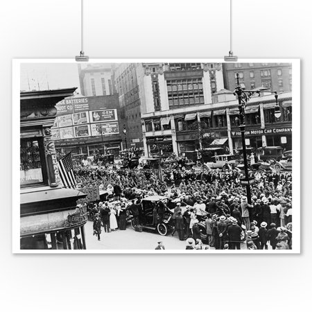Parade of Soldiers on Broadway, NYC Photograph (9x12 Art Print, Wall Decor Travel Poster)