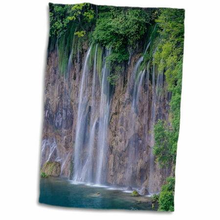 3dRose Croatia, Plitvice Lakes National Park, Waterfall - Towel, 15 by 22-inch (Plitvice Lakes National Park)