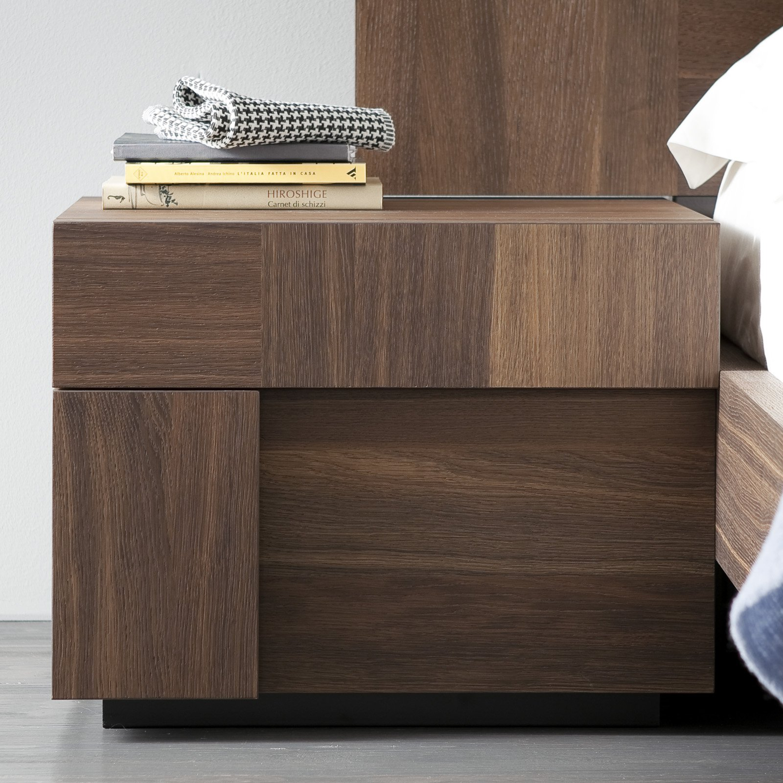 Rossetto Air Left 1 Drawer Nightstand by Rossetto USA
