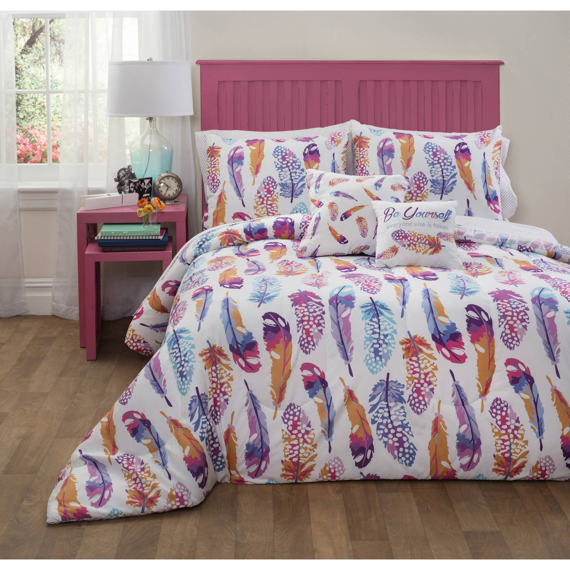 Formula Watercolor Feather Bed-in-a-Bag Bedding Set