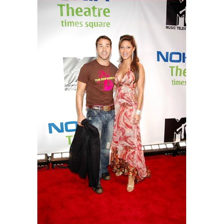 Jeremy Piven Vanessa Minnilo On Location For Mtv And Nokia Unwired Live Concert Event Nokia Theatre Times Square New York Ny September 27 2005 Photo By Steven HenryEverett Collection Celebrity (Ny Times Home Delivery)