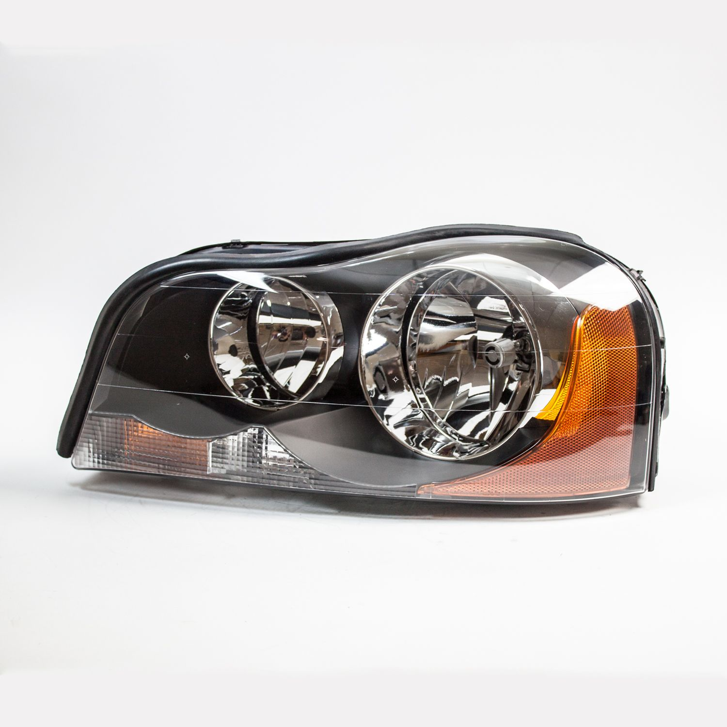 TYC 20-6564-00-1 Left Headlight Assembly for 2003-2013 Volvo XC90 VO2502112
