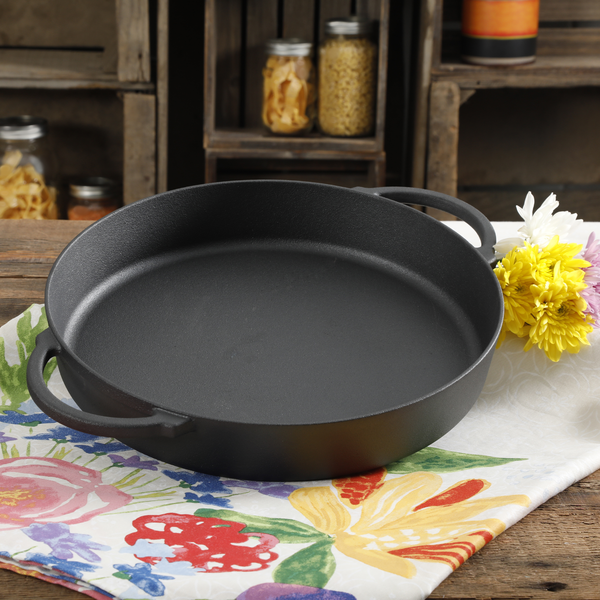 "The Pioneer Woman Pre Season Plus Cast Iron 13.5"" Family Pan"