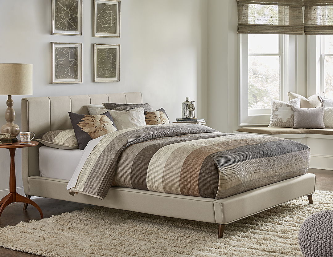 Hillsdale Furniture Aussie King Bed with Bedframe by Hillsdale