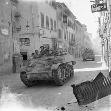 - LAMINATED POSTER The British Army in Italy 1944 A Stuart reconnaissance tank and a Sherman of 6th Armoured Division i Poster Print 24 x 36