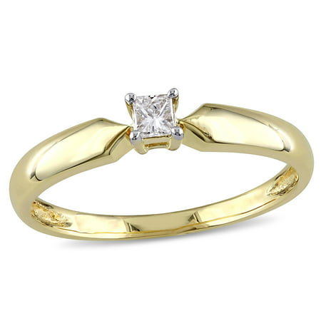 1/10 Carat T.W. Princess Cut Diamond Solitaire Ring in 10kt Yellow Gold