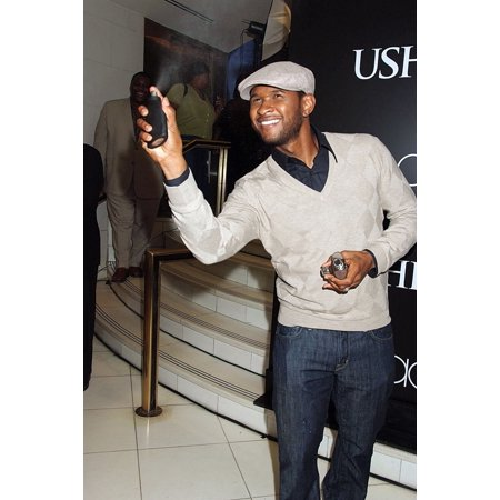 Usher At In-Store Appearance For Usher For Men And For Women Fragrances Launch MacyS Herald Square Department Store New York Ny September 27 2007 Photo By Rob RichEverett Collection (Macys Store New York)