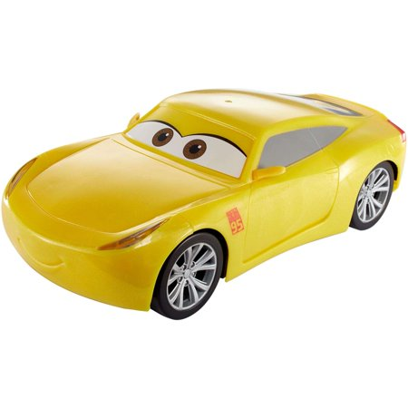 disney pixar cars 3 movie moves cruz ramirez. Black Bedroom Furniture Sets. Home Design Ideas