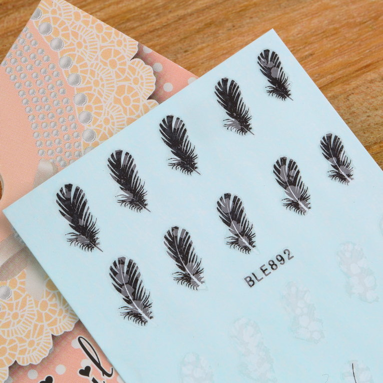 20pcs/sheet Black & White DIY Feather Nail Art Decals Water Transfer Nail Stickers Nail Art Wrap Tips Decoration