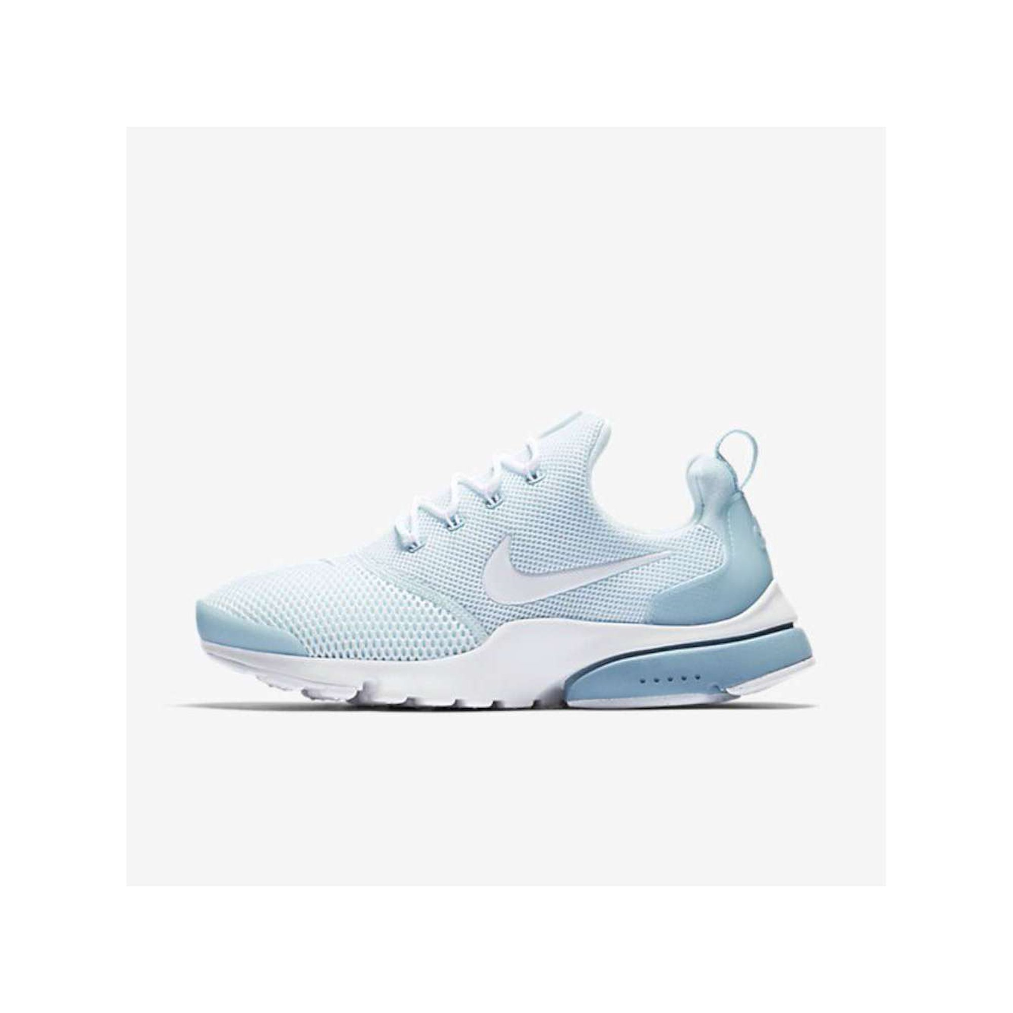 the latest 02d94 fee6a Nike Womens Presto Fly Low Top Lace Up Running Sneaker ...