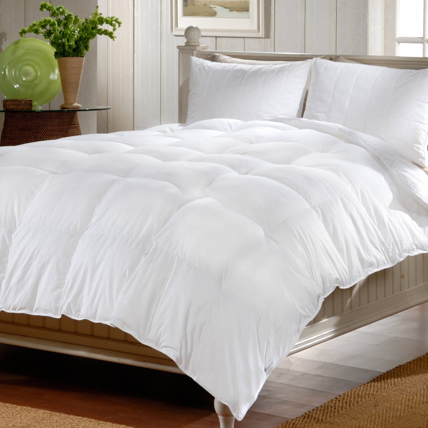 DeepSleep Down Alternative Comforter