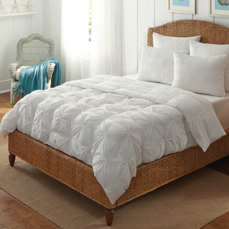 Rio Home Fasshions White Pintuck Tufted All Season Down Alternative Comforter