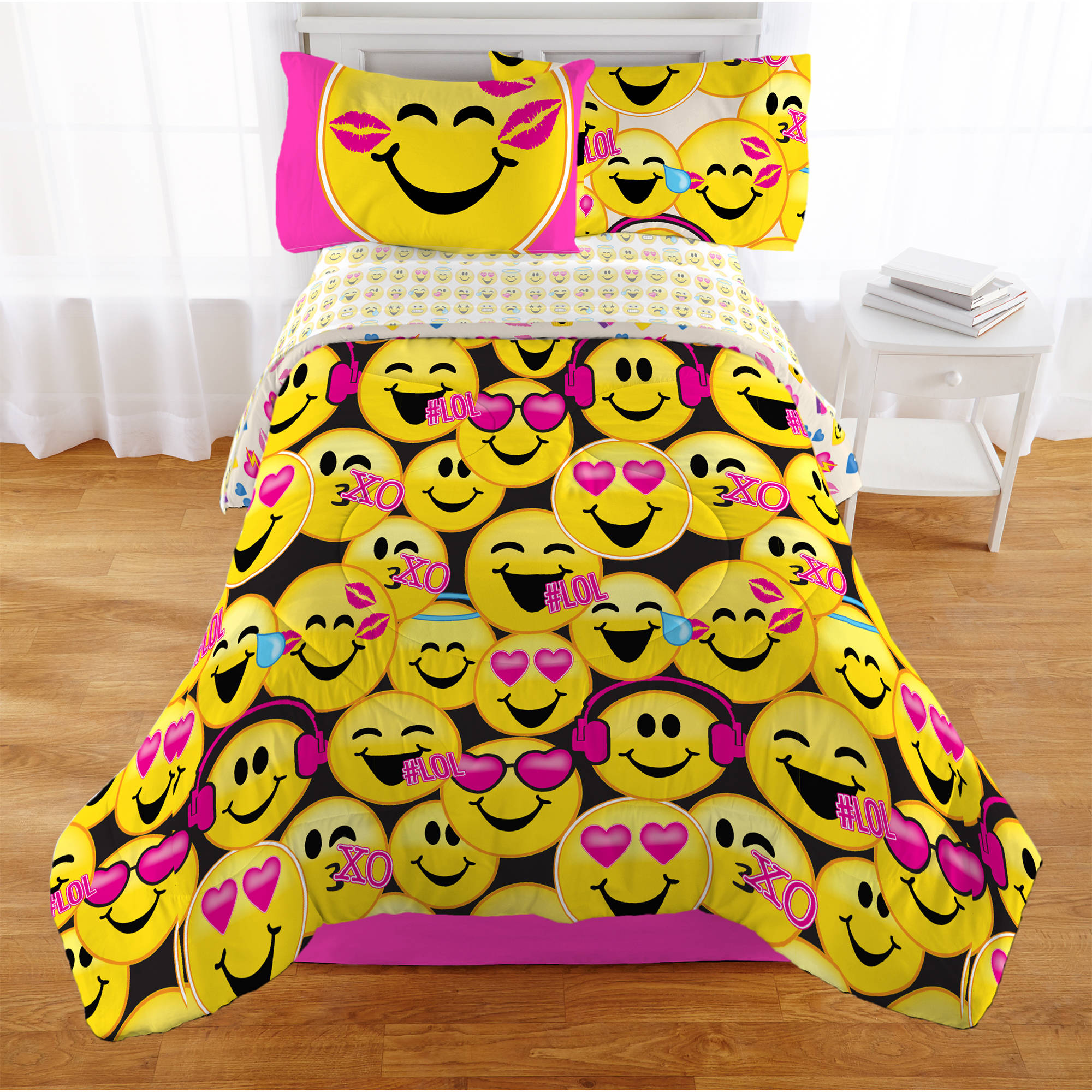 Emojination Happy Happy Reversible Comforter, Twin