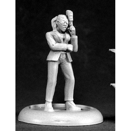 Reaper Miniatures Kelly, Corporate Assassin #50071 Chronoscope D&D Mini Figure (Kelly Mini)