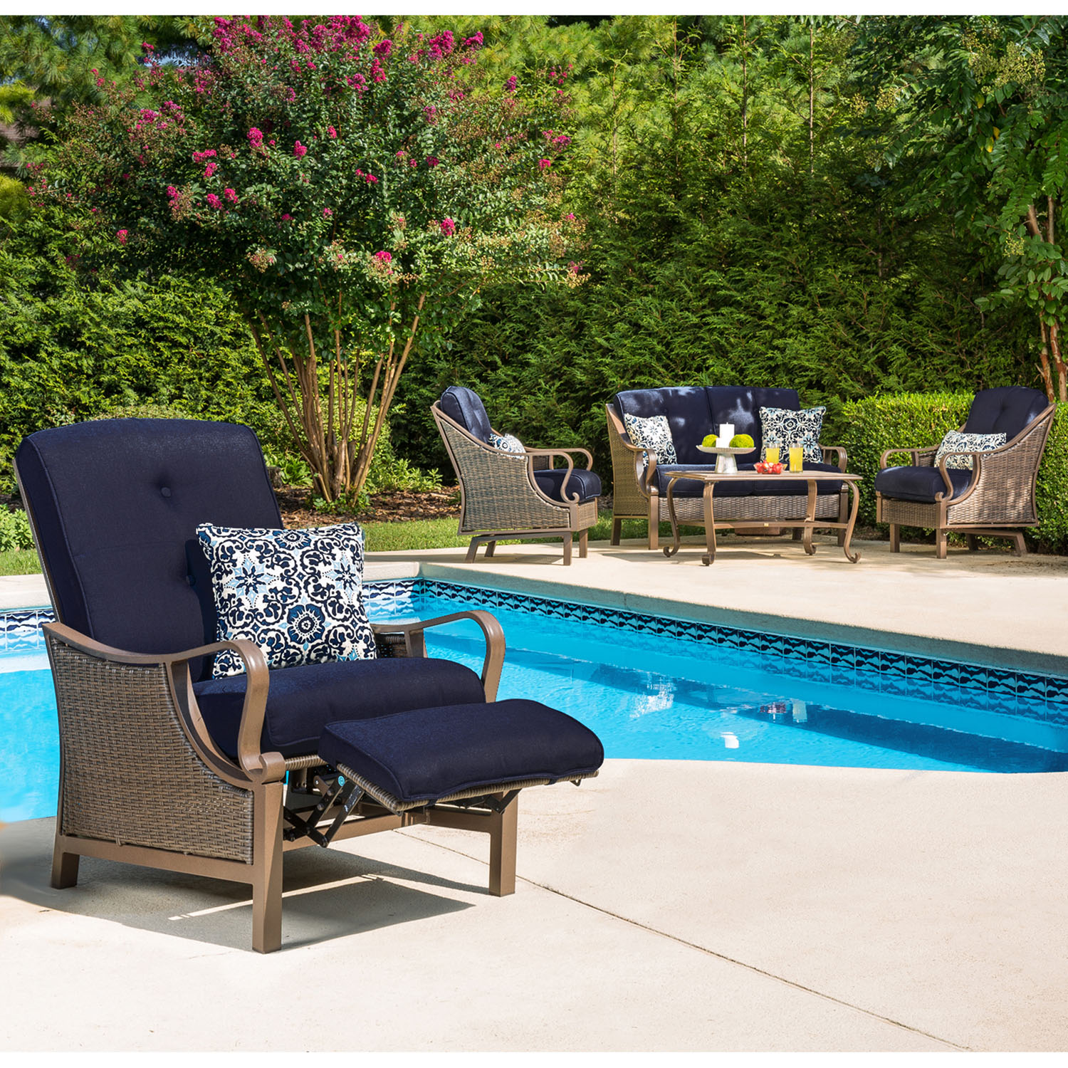 Hanover Ventura Outdoor Luxury Recliner with Accent Pillow by Hanover