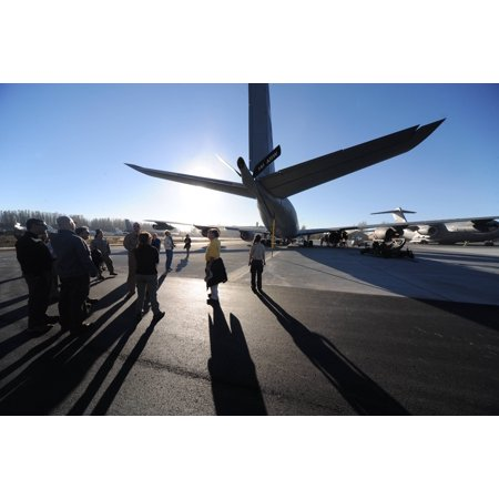 Laminated Poster Outback Steakhouse Incorporated Employees View A Kc 135 Stratotanker During An Armed Forces Entertai Poster Print 24 X 36