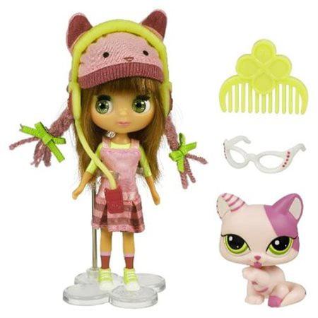Littlest Pet Shop Blythe's Sitters Fashion Cats Figure Set