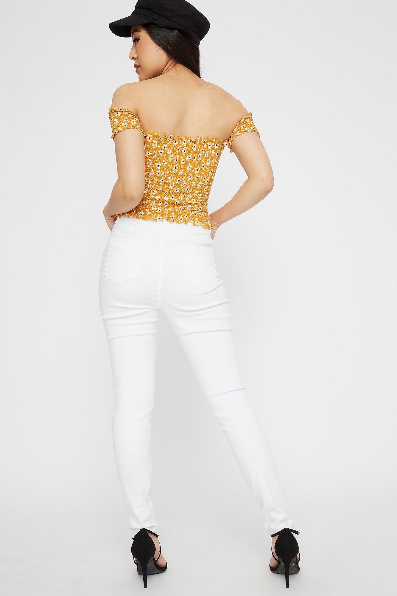 93a982b5ada01 Urban Planet Women s Printed Smocked Off the Shoulder Lettuce Hem Cropped  Short Sleeve Top