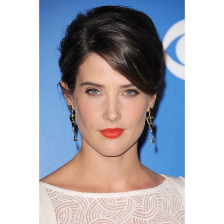 Cobie Smulders Wearing Jewelmint Earrings At Arrivals For Cbs Network Upfronts Presentation 2017 Canvas