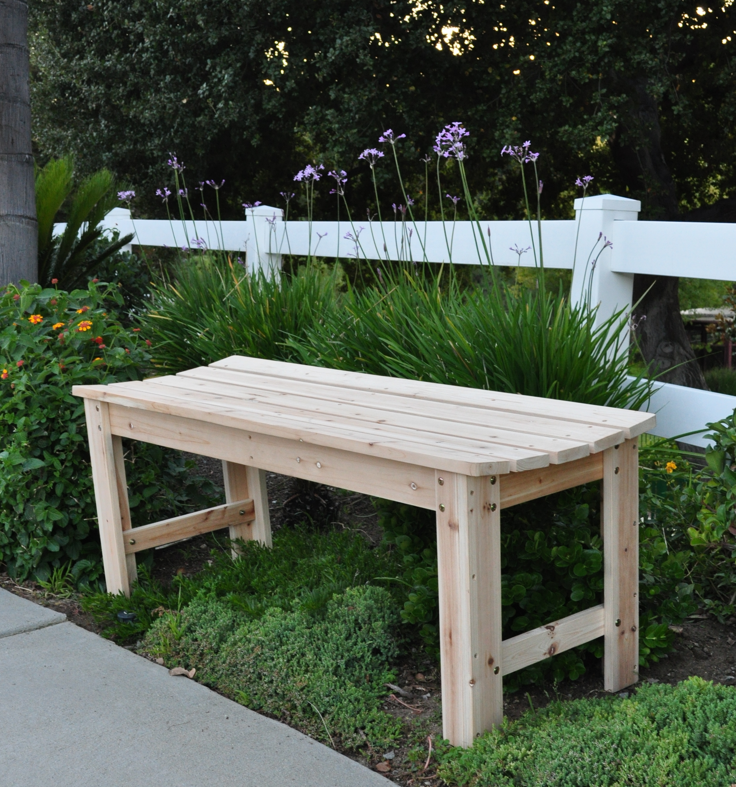 Shine Company 5 Ft. Backless Garden Bench - Natural