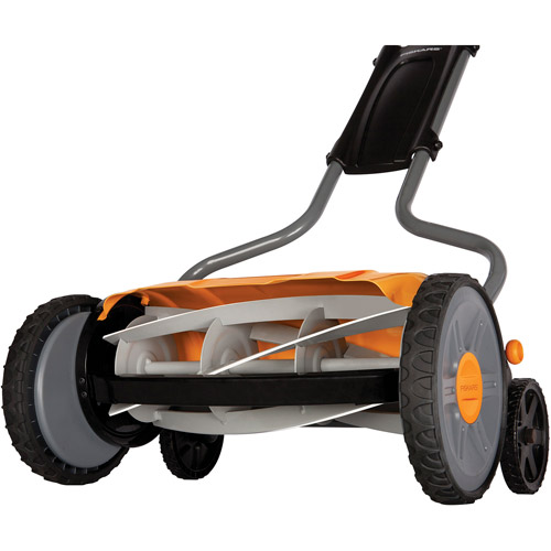 "Fiskars 17"" StaySharp Plus Reel Lawn Mower"