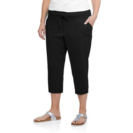b0527157ece Danskin Now - Women s Plus-Size Patch Pocket Capri - Walmart.com