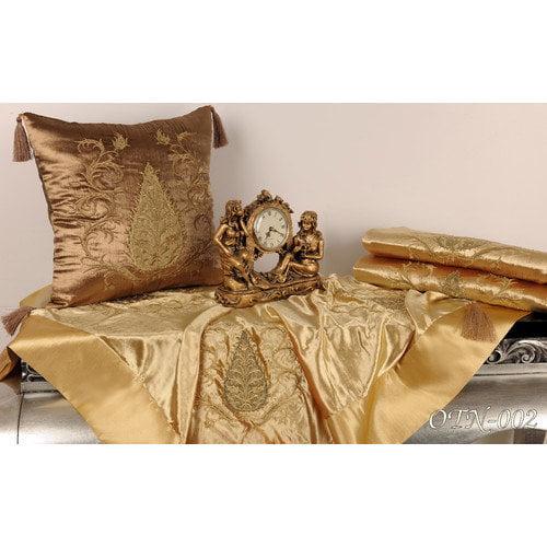 Debage Inc. Tudor Polyester Climbing Acorn Velvet Dining Linens Set