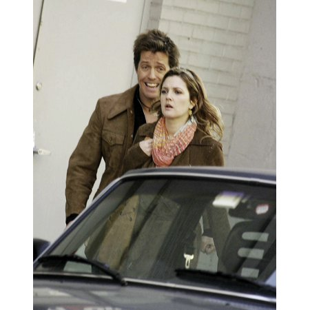 Drew Barrymore And Hugh Grant On The Set Of Music And Lyrics In Manhattan Photo Print