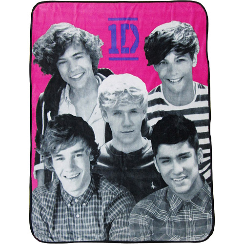 "One Direction 50"" x 60"" Throw"