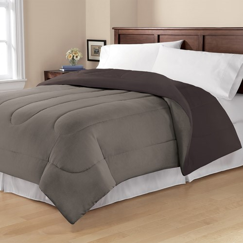 Mainstays Twin or Twin XL Solid Reversible Comforter, 1 Each